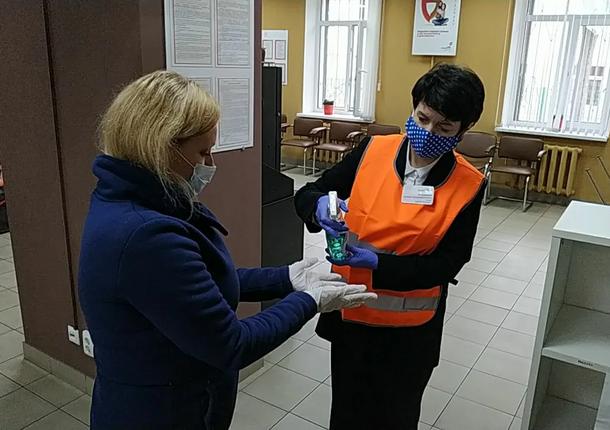 С 26 июля в Орловской области продолжится очный прием посетителей в МФЦ
